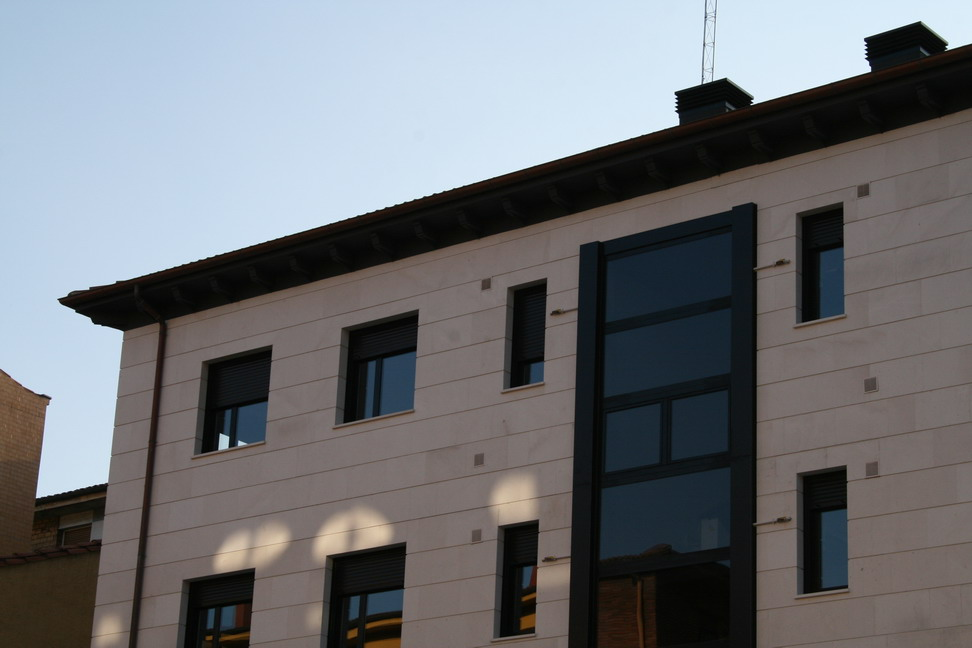 edificio leopoldo alas 33 construcciones los campos