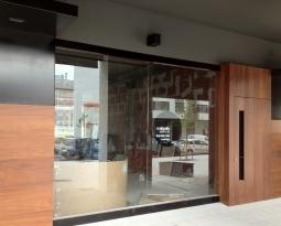 Locales comerciales en Área Residencial de Roces